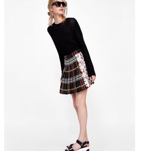 Zara Skirts - Zara pleated skirt
